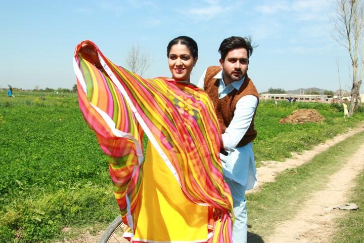Jonita Doda & Arshdeep Singh scene (Small)