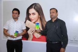 OPPO F3 Plus kick starts Sale across India