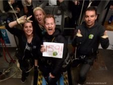 Kiwi sets new World Record with his 430 bungy jumps