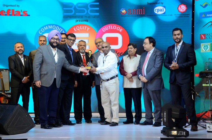 Team NBHC receives 'Commodity Logistics Award' at The Commodity Equity Outlook Weekend 2017 (Small)