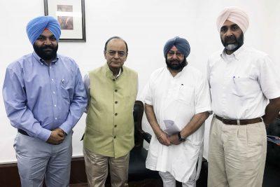 Punjab CM Meets Jaitley, Seeks Settlement of Farmers Loan & GST on Langar & Prasad