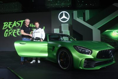 Mercedes-Benz launches the AMG GT R and AMG GT Roadster