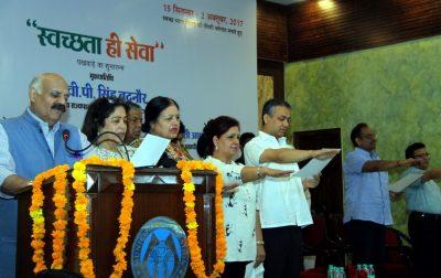 "Governor kicks off ""Swachhata hi Seva"" drive in Chandigarh"
