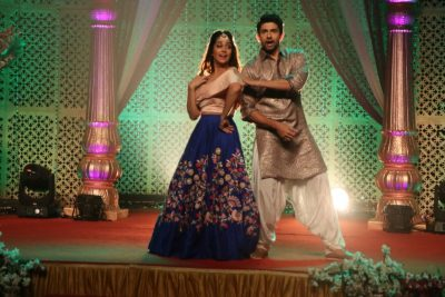 An Extravaganza Wedding Celebration Begins in Sajjan Re Phir Jhooth Mat Bolo