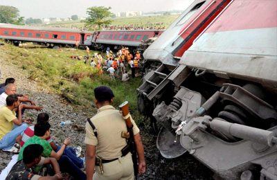 Two coaches of Rajdhani Express derail in Delhi
