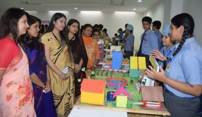 Students of Brilliance put up Exhibition- Vista
