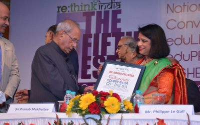 Dr Madhu Chitkara gets Recognised as the Visionary Edupreneur of India by Sri Pranab Mukherjee