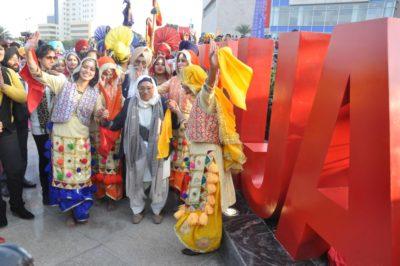 Legendary Punjabi athlete Man Kaur, unveils 'I Love Punjab' installation at VR Punjab centre, Mohali