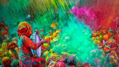 Dangerous side effects of Holi colours